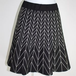 Studio M women's skirt black/cream short medium
